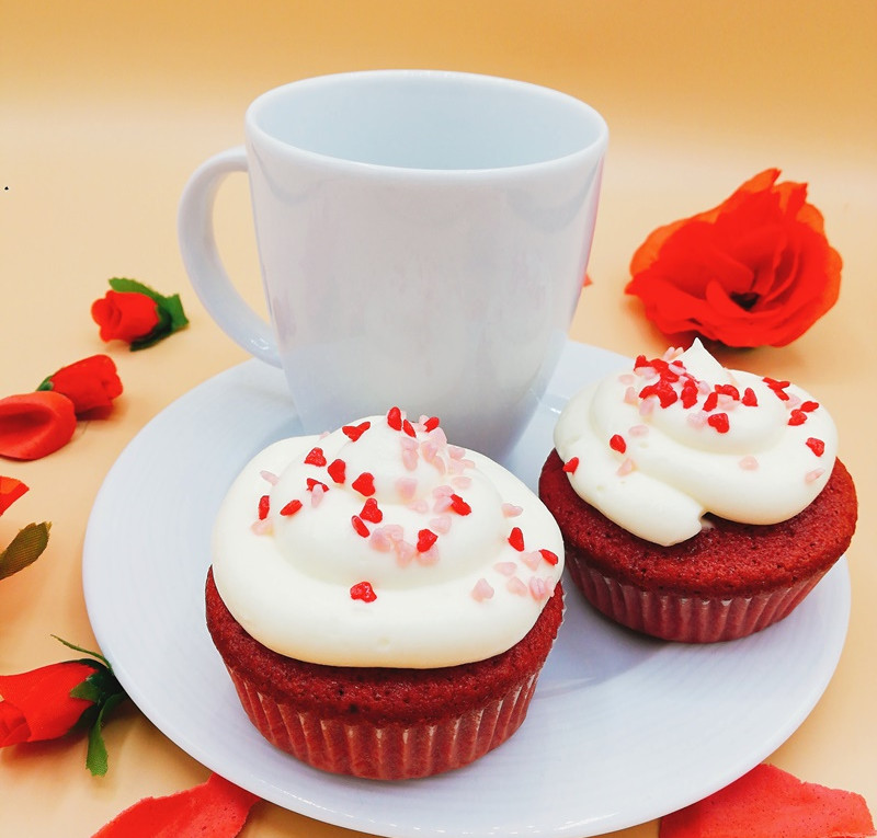 Red-Velvet Valentinstags Cupcakes